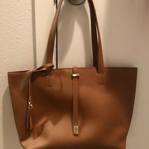 Vince Camuto tote *NEW*